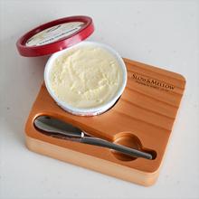 銅製アイスクリームスプーン&トレーにアイスをセット
